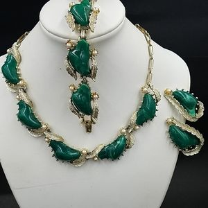 Coro Marbled Green Lucite Parure
